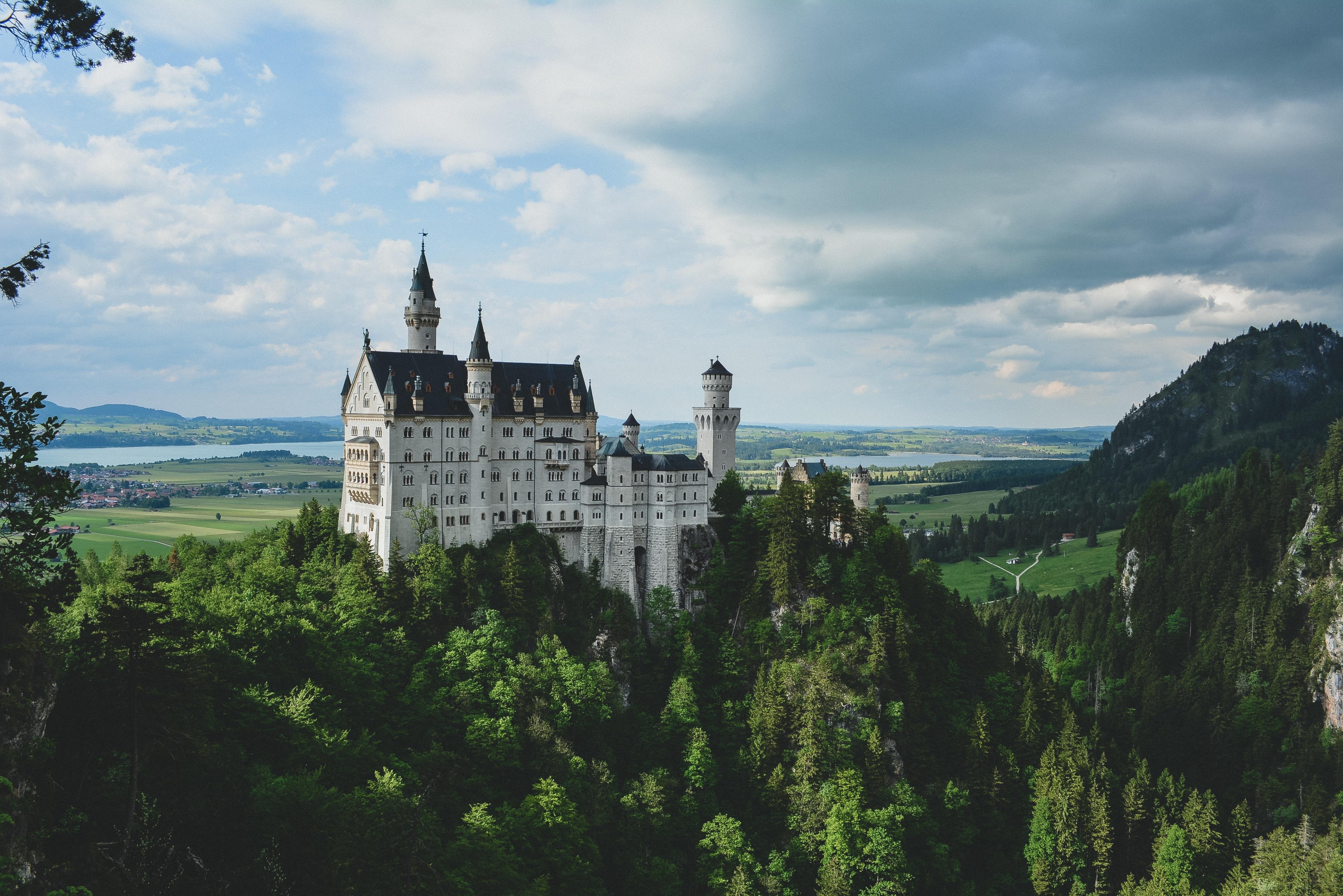 Топ-5 многодневных экскурсий с выездом из Праги Швейк-тур